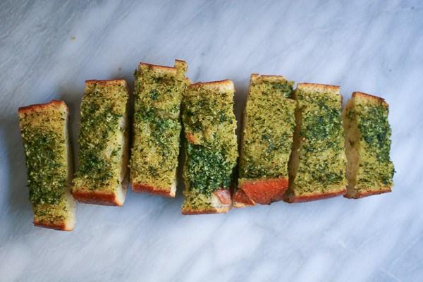 herbed-garlic-bread-3